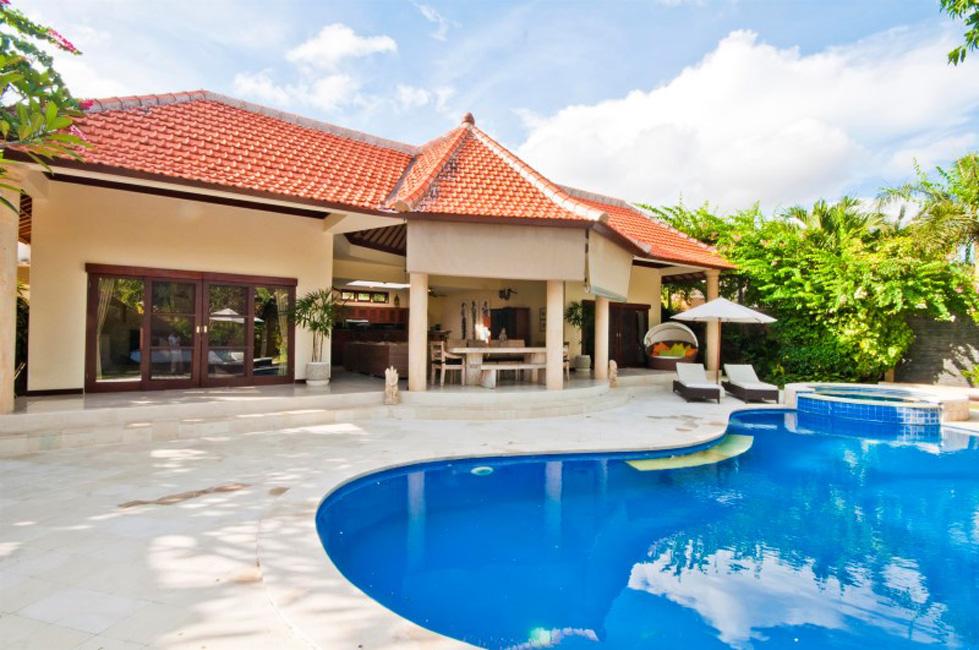 Amazing Villa Mango Seminyak (16)
