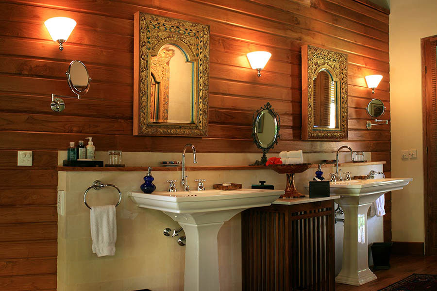 Des-Indes-I-Bathroom-at-Pavilion-2_1