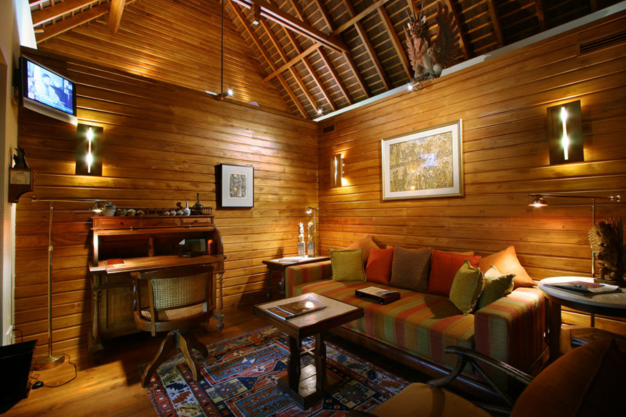 Des-Indes-I-Comfy-library-at-Pavilion-2_1