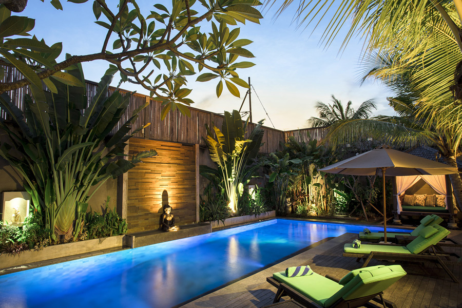 Villa-Baganding-Pool-by-the-night