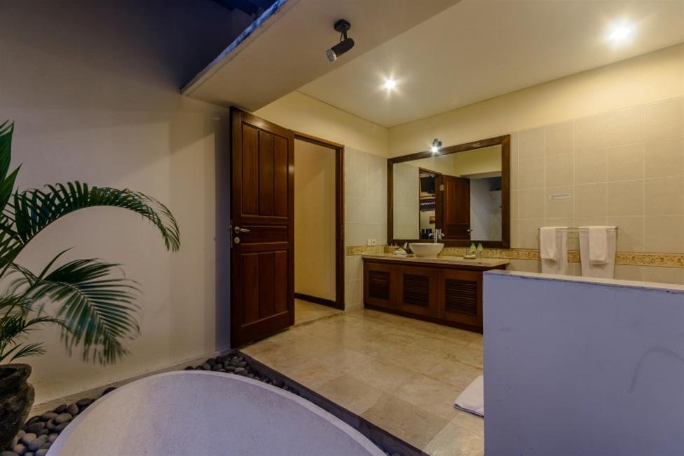 Villa Santi Seminyak Bali (13)