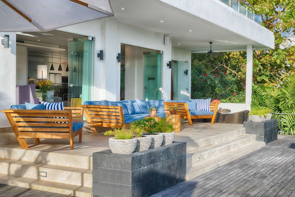 kalibali_gallery_32_outdoor_living_area_with_views