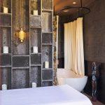 Villa Kayajiwa Massage room bathtub