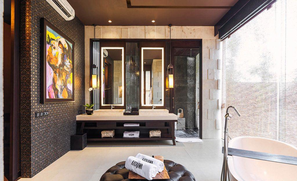 Villa Kayajiwa Master bathroom double sinks vanity