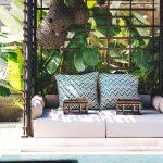 Villa Kayajiwa Outdoor poolside bale