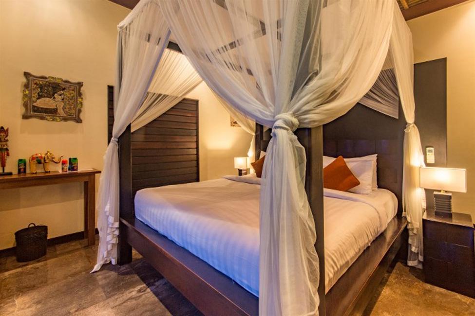 Villa Mahkota Seminyak Bali (30)