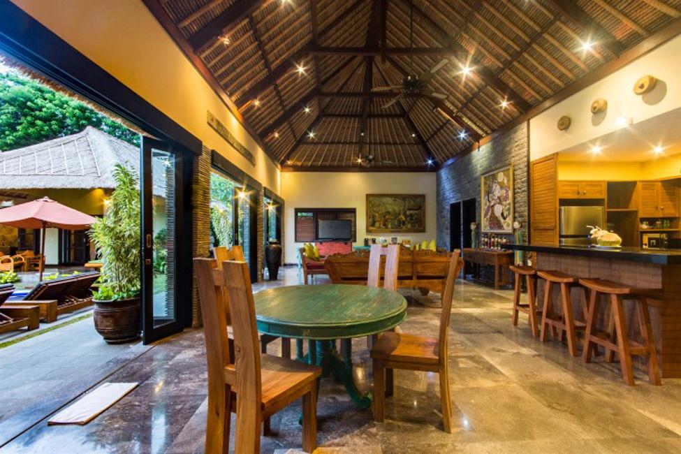 Villa Mahkota Seminyak Bali (8)