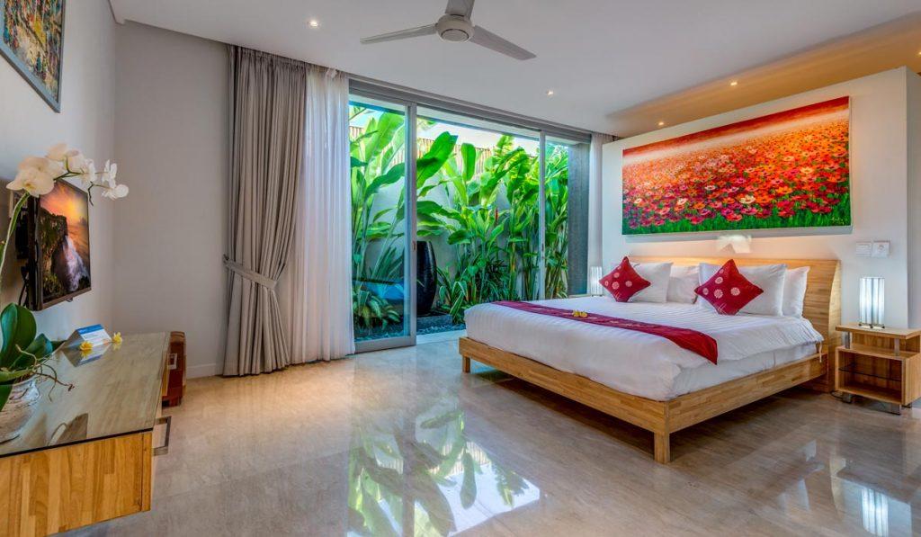 Villa-Aramanis-Indah-Master-bedroom