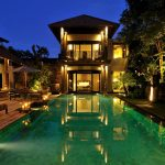 villa-desuma-night-time-view-across-the-pool