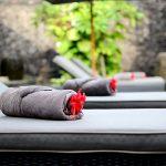 villa-desuma-relax-poolside