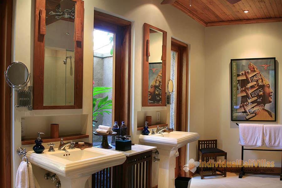 Des-Indes-I-Bathroom-design-at-Pavilion-3