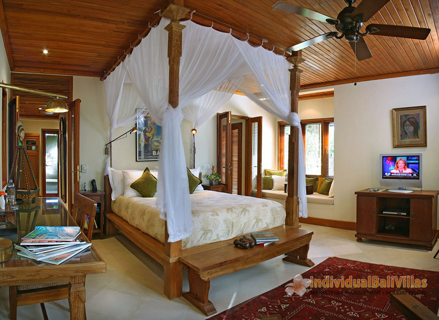 Des-Indes-I-Spacious-bedroom-at-Pavillion-3