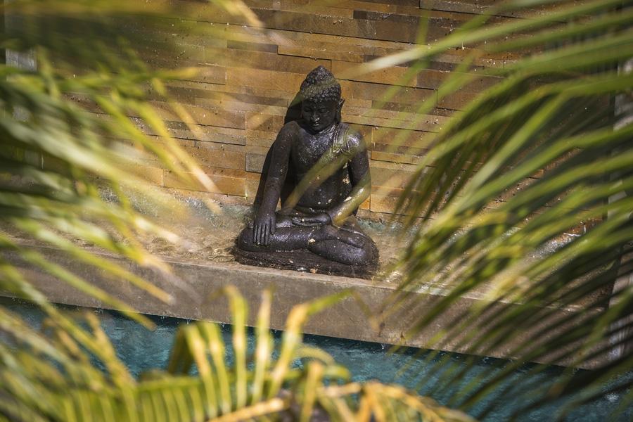 Villa-Baganding-Budha-statue