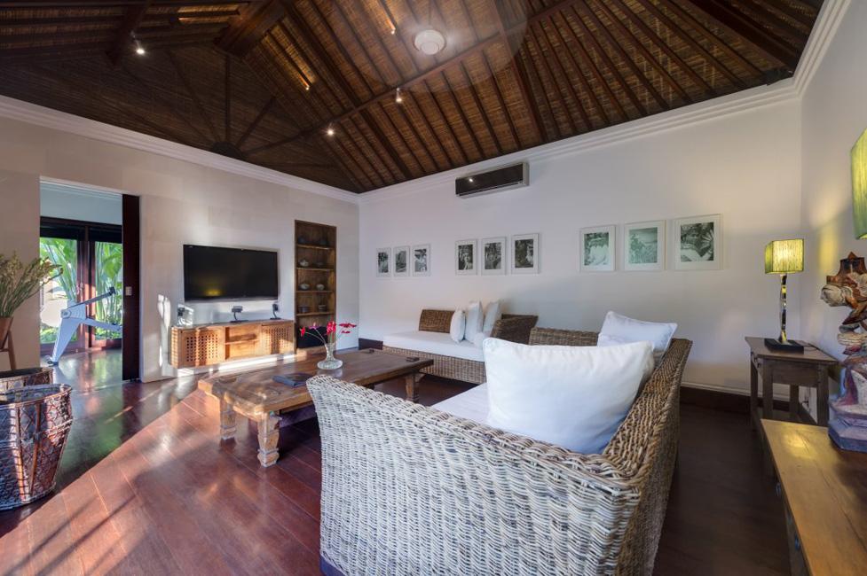 Villa Jagaditha Beachfront (26)