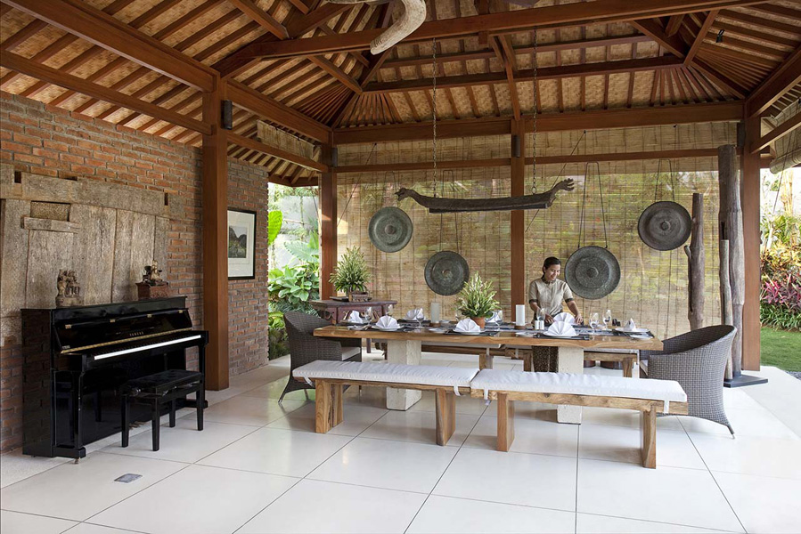 Villa-Sati-Dining-area