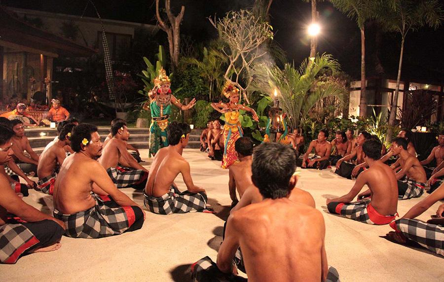 Villa-Sati-Kacak-dance
