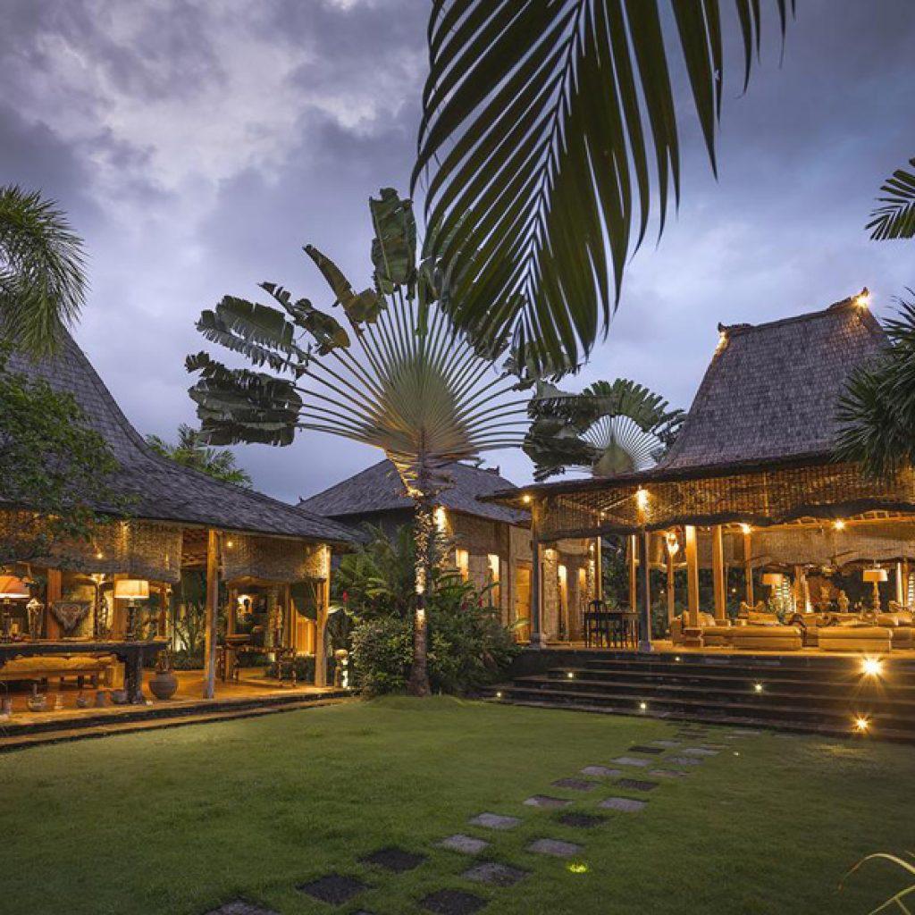 Zelie Villa