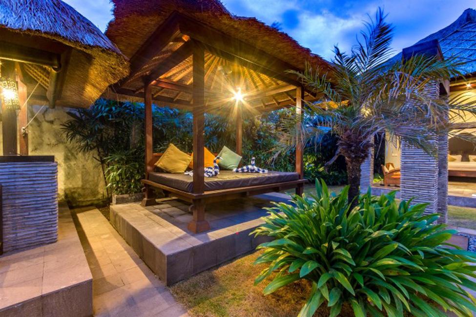 Villa Mahkota Seminyak Bali (38)