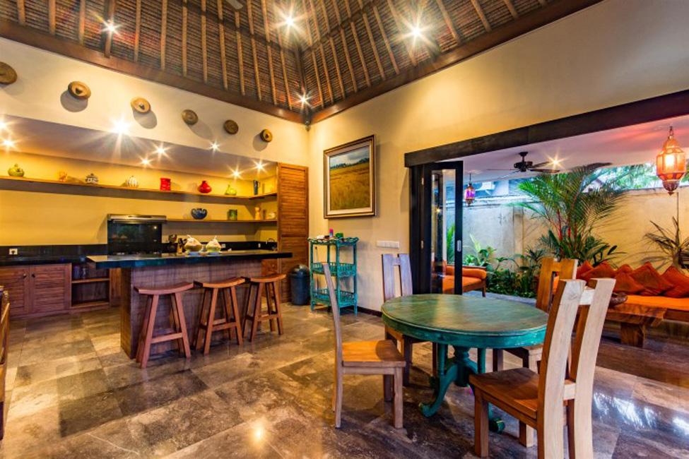 Villa Mahkota Seminyak Bali (4)