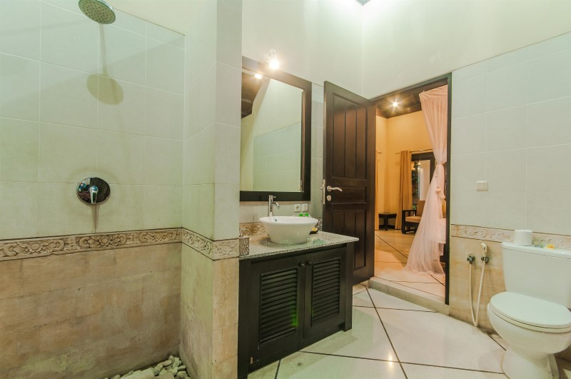 Villa Tresna Seminyak Bali (26)