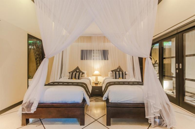 Villa Tresna Seminyak Bali (32)