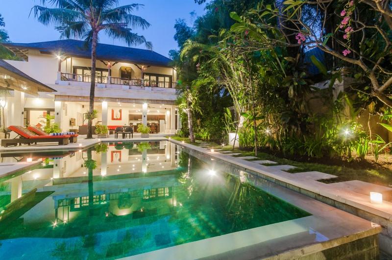 Villa Tresna Seminyak Bali (36)