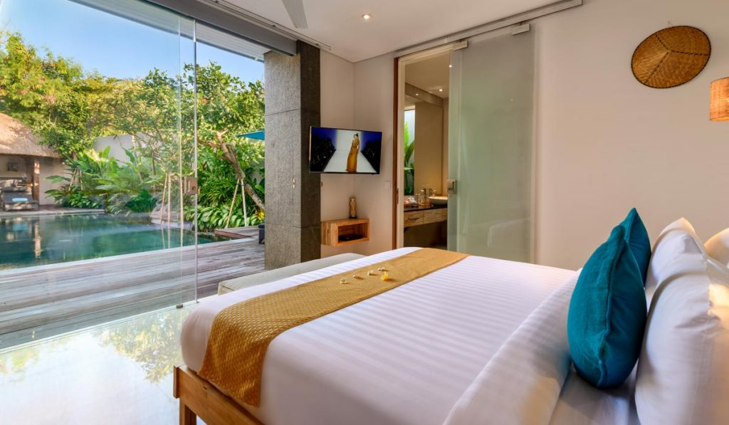 Villa-Aramanis-Manis-Guest-bedroom-two