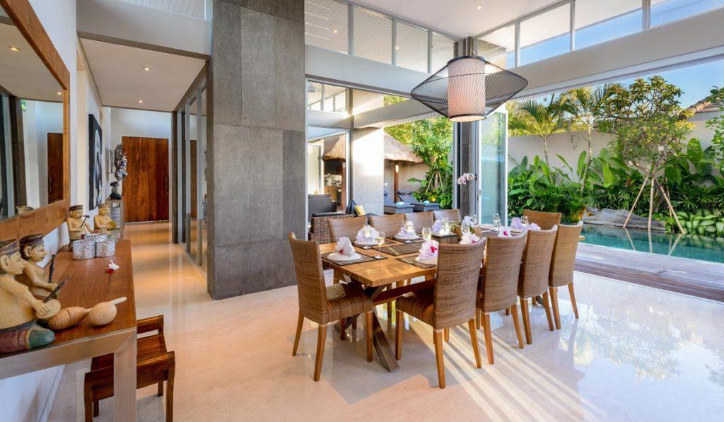 Villa-Aramanis-Manis-Indoor-air-conditioned-dining