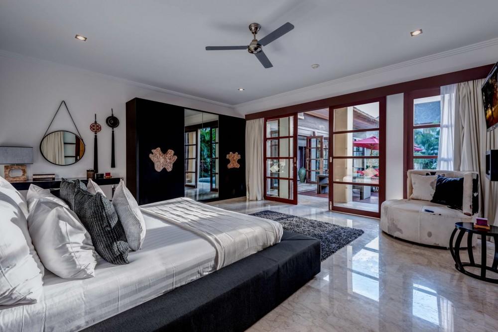 villa-nilaya-the-residence-seminyak-bedroom