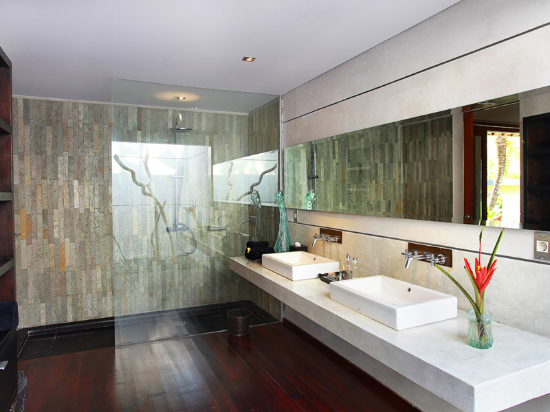 villa-valentine-bathroom-1