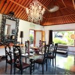villa-valentine-indoor-dining-table