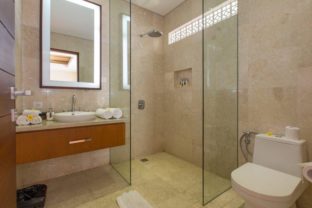 Bathroom 3 Br BBV (4)