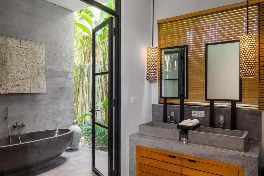 Villa Gu at Canggu Beachside Villas Bathroom ensuite