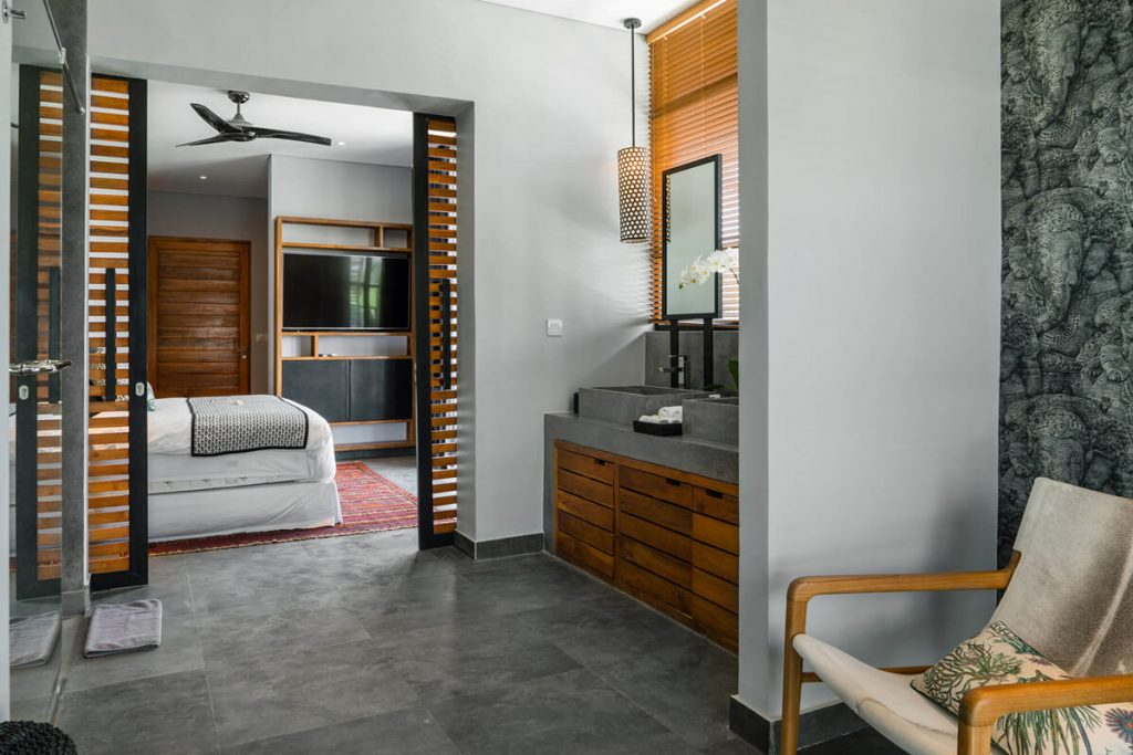 Villa Gu at Canggu Beachside Villas Contemporary guest bedroom layout