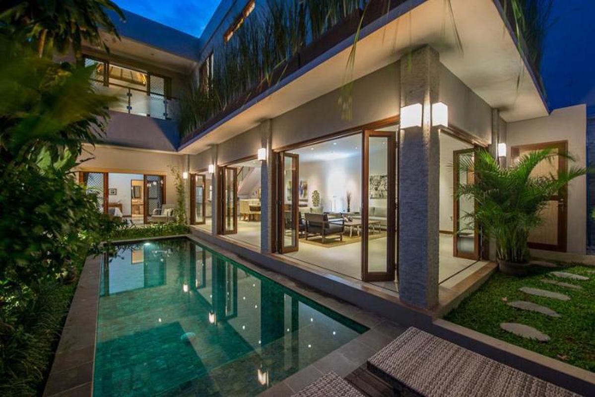 7 Bedrooms Legian Villas