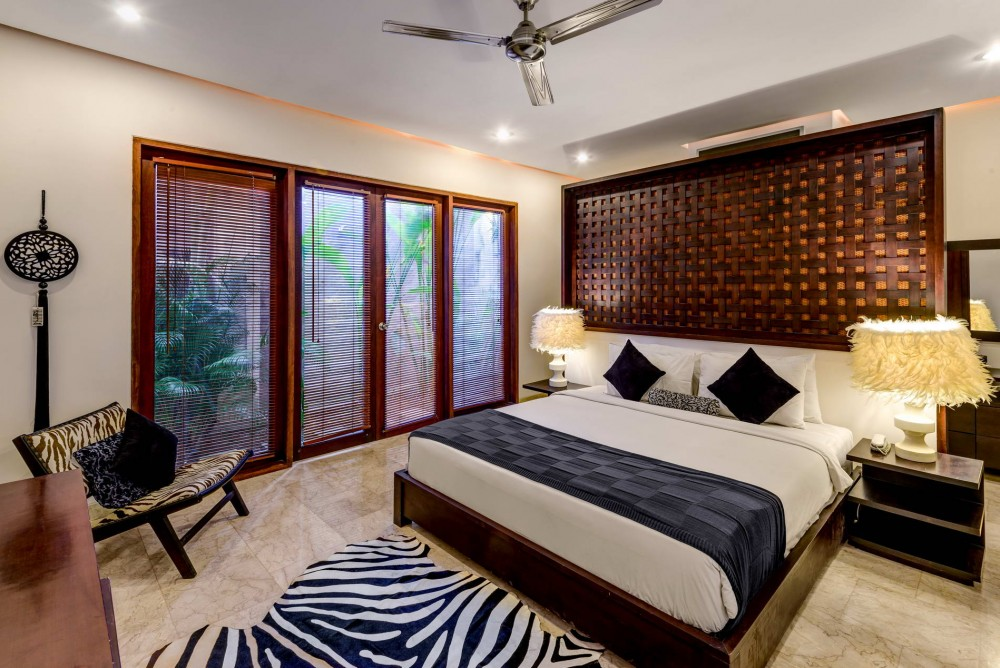 villa-menari-the-residence-seminyak-bedroom-2