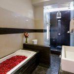 villa-michelina-bali-bathtub
