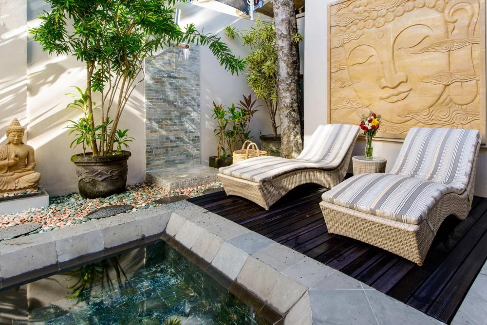 villa-michelina-bali-sun-loungers