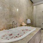 Villa-Jepun-The-Residence-Seminyak-Bathtub-1