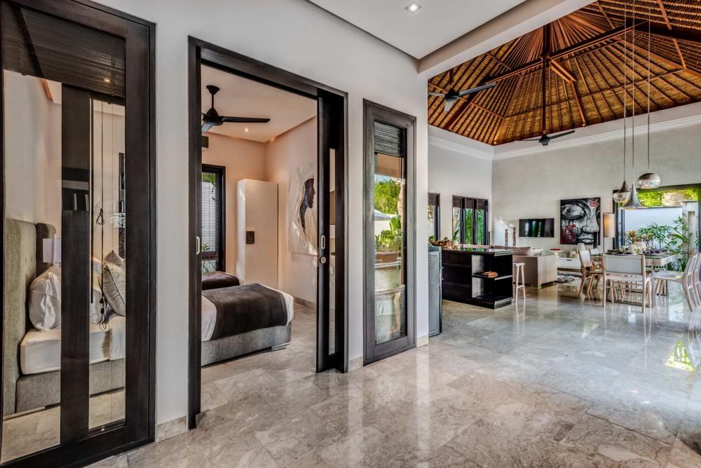 Villa-Jepun-The-Residence-Seminyak-Bedroom-Living