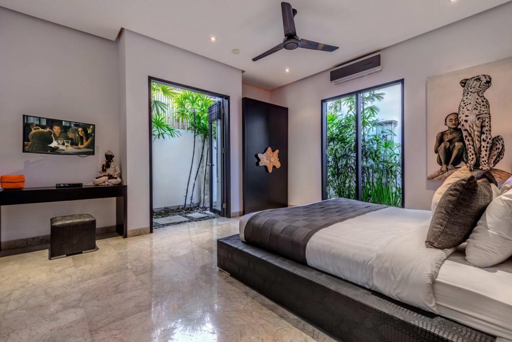 Villa-Jepun-The-Residence-Seminyak-Bedroom