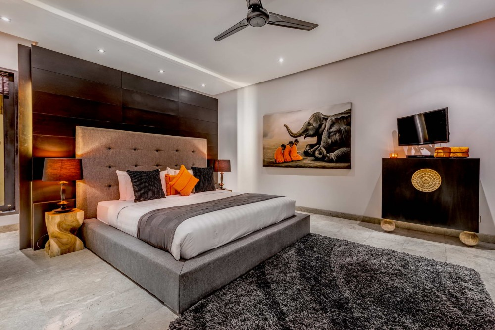 Villa-Jepun-The-Residence-Seminyak-Master-Bedroom