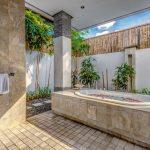 Villa-Jepun-The-Residence-Seminyak-Outdoor Bathtub