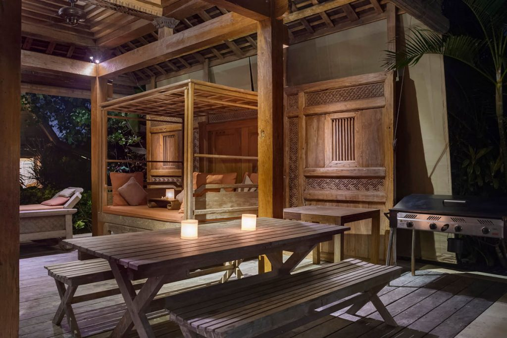 Villa Kavaya Antique wooden joglo