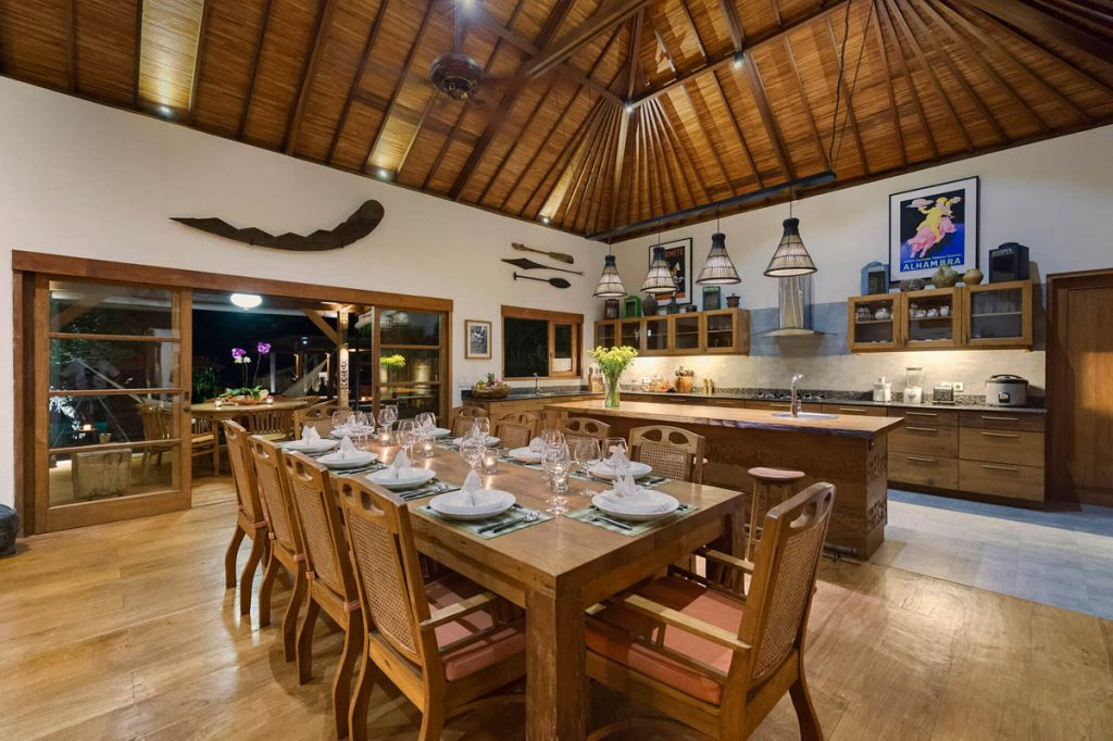 Villa Kavaya Dining area and kitchen layout