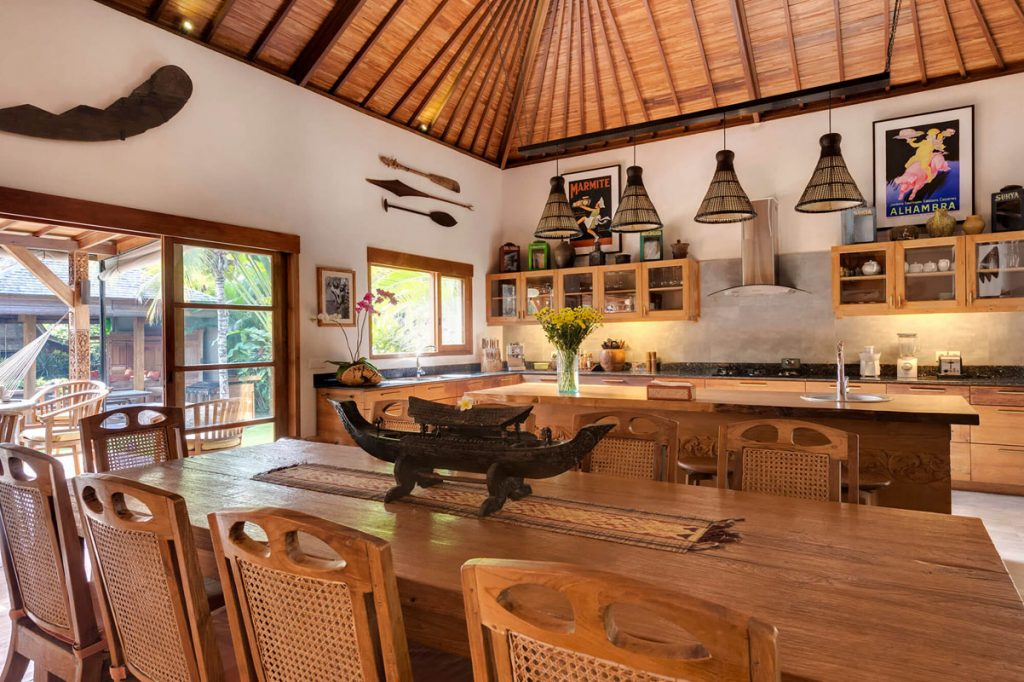 Villa Kavaya Exceptional design of dining area