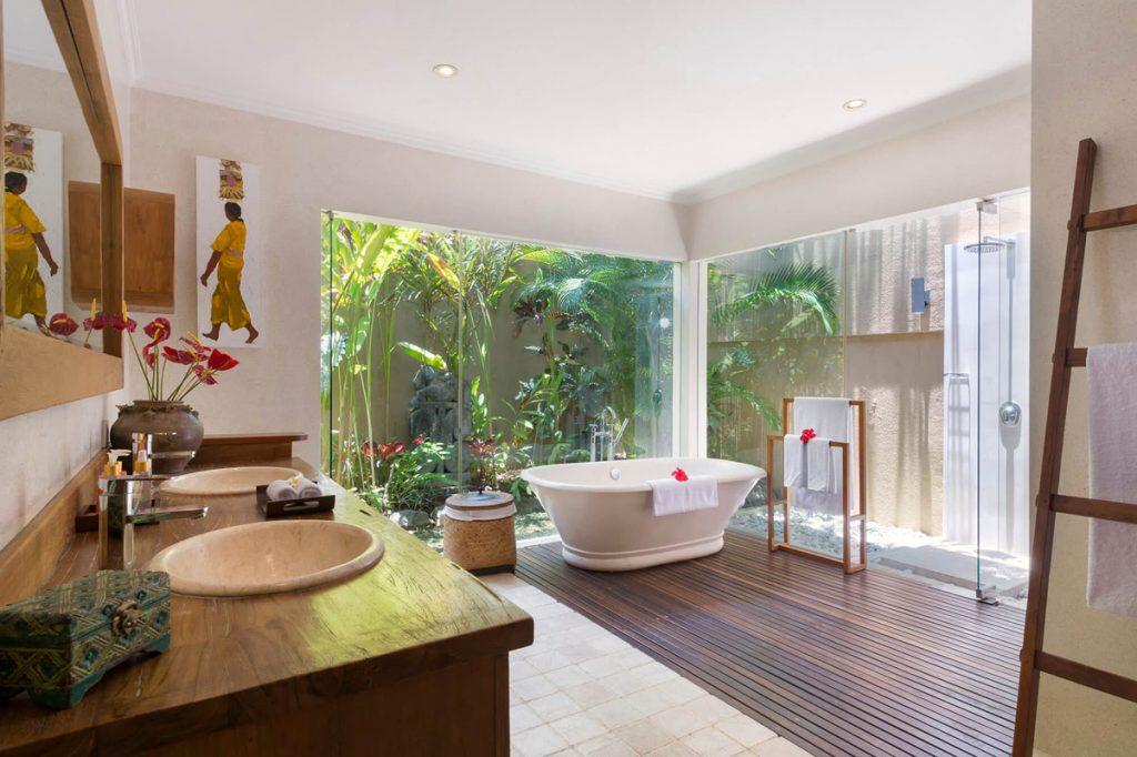 Villa Kavaya Keanu ensuite bathroom