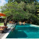Villa Kavaya Swim under the clear blue sky