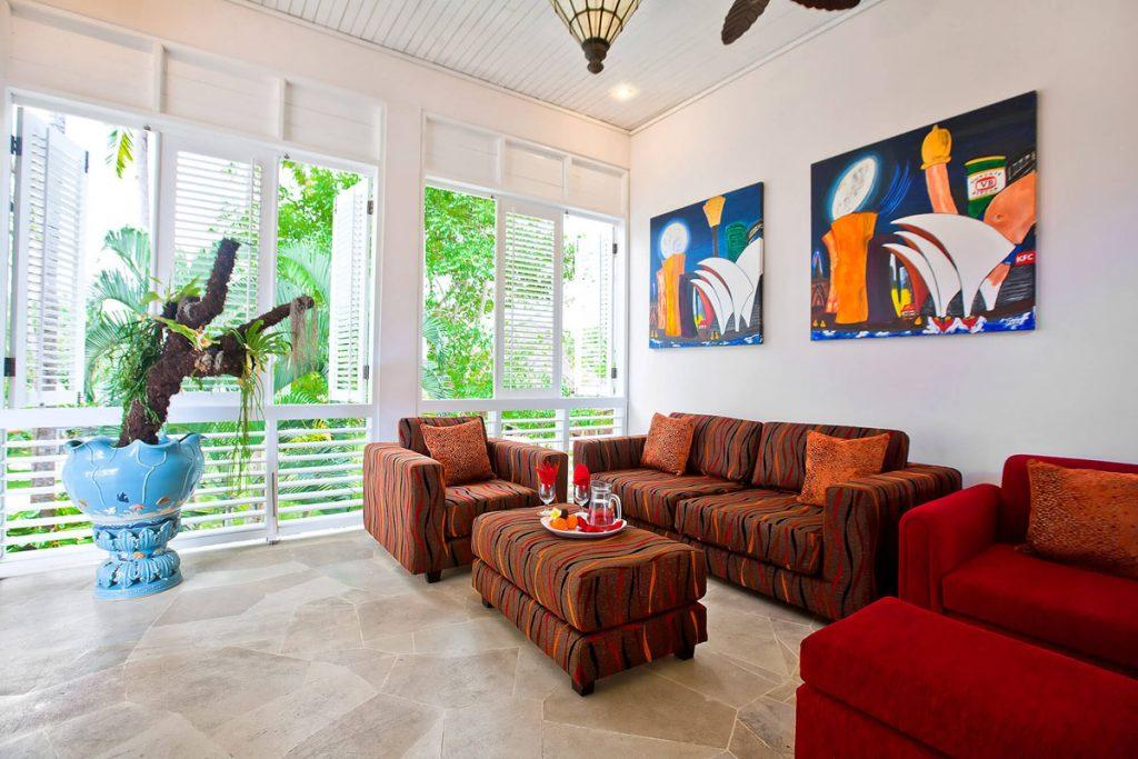 Villa Puri Nirwana Comfortable sofa