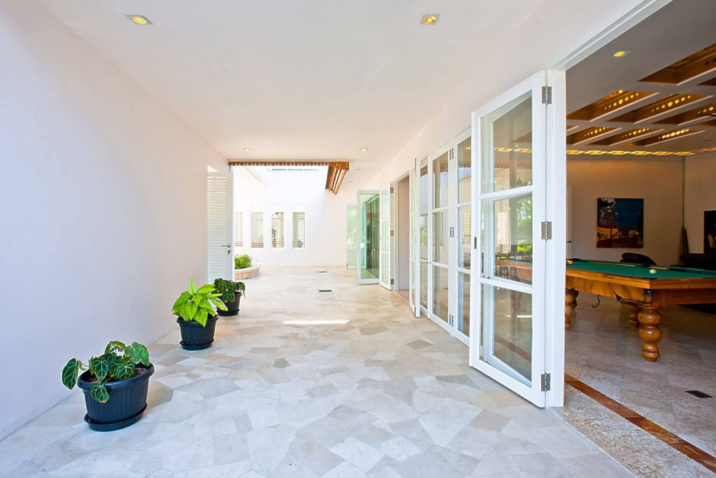 Villa Puri Nirwana Inner pathway